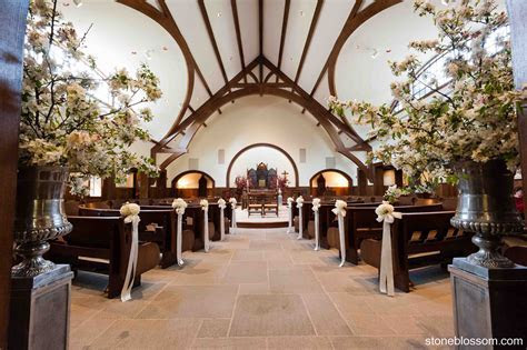 Flowers by Stone Blossom, Our Lady of Mercy Chapel, Salve
