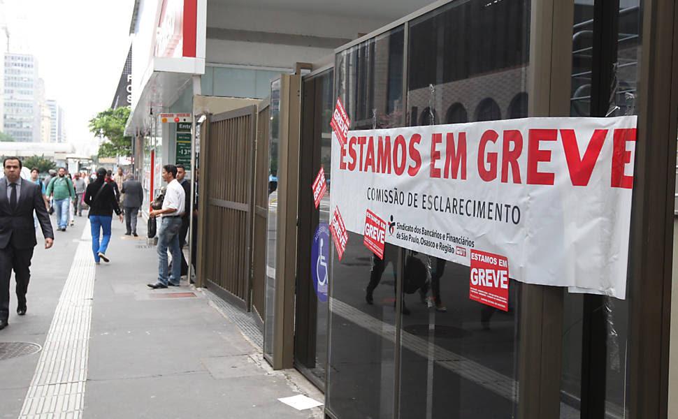 Resultado de imagem para greve dos bancos