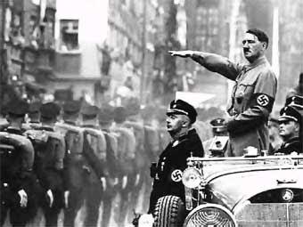 Biography of Adolf Hitler | The nazi leader.