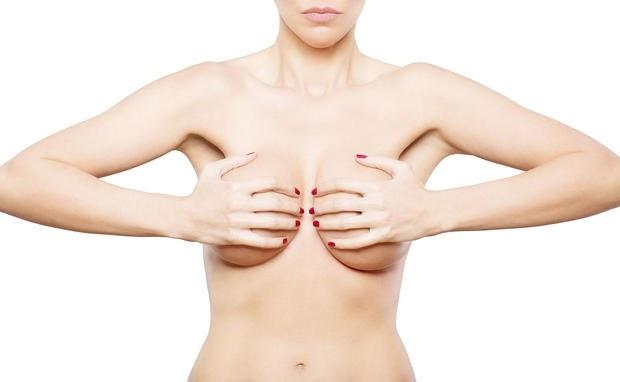 Brüste hängen