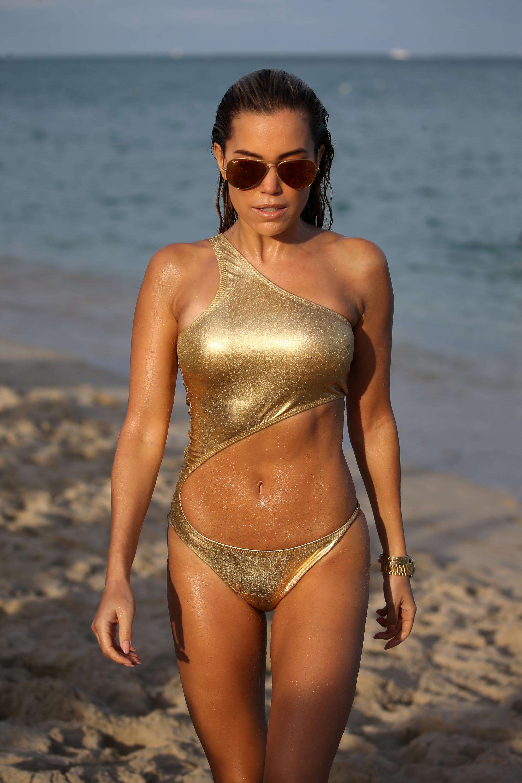 Bikini Fashion Week  India