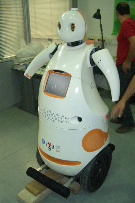 tibi dabo robots  public spaces tuvie