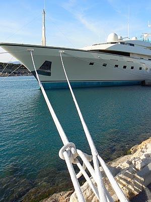 bateau de James Bond.jpg