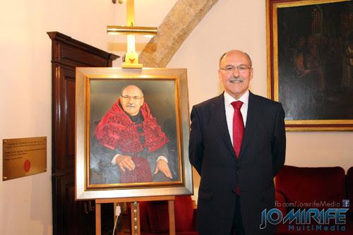 Quadro de homenagem ao Doutor António dos Santos Justo