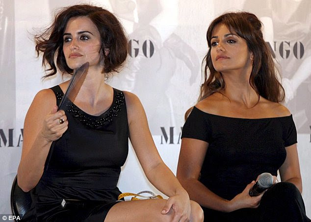 Sister act: Mónica Cruz (right) with sister Penélope at the launch of their collection for Mango in 2007