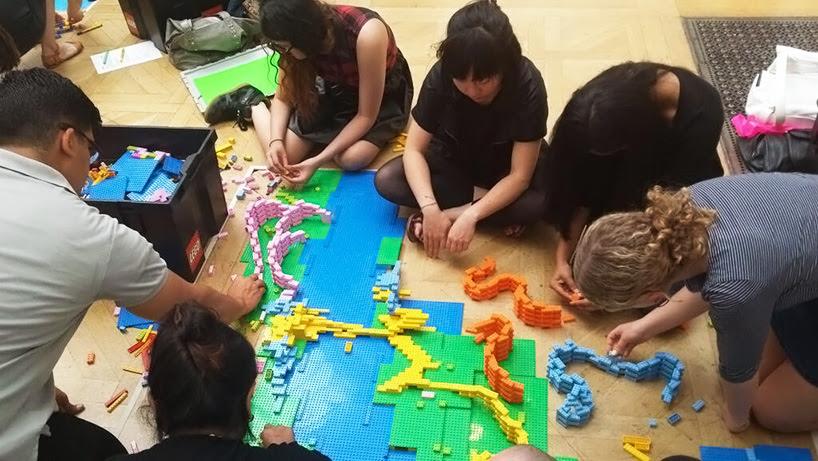 zaha-hadid-LEGO-buildings-designboom004