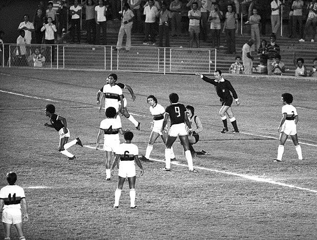 Flamengo 1 x 2 Remo 1975