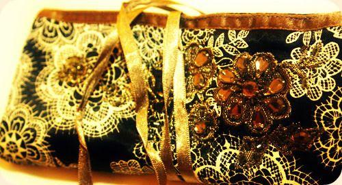 http://i402.photobucket.com/albums/pp103/Sushiina/Daily/etui.jpg