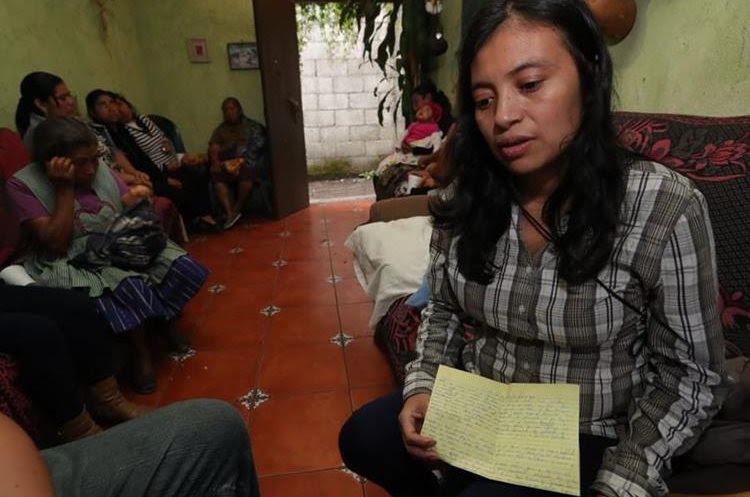 Gloria Cojolón, esposa de José Antonio Castillo, mantém a esperança de encontrá-lo vivo.  (Foto da imprensa livre: Stuart Paredes)