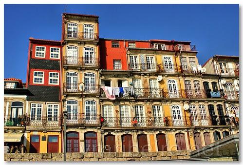 Casas na Ribeira by VRfoto