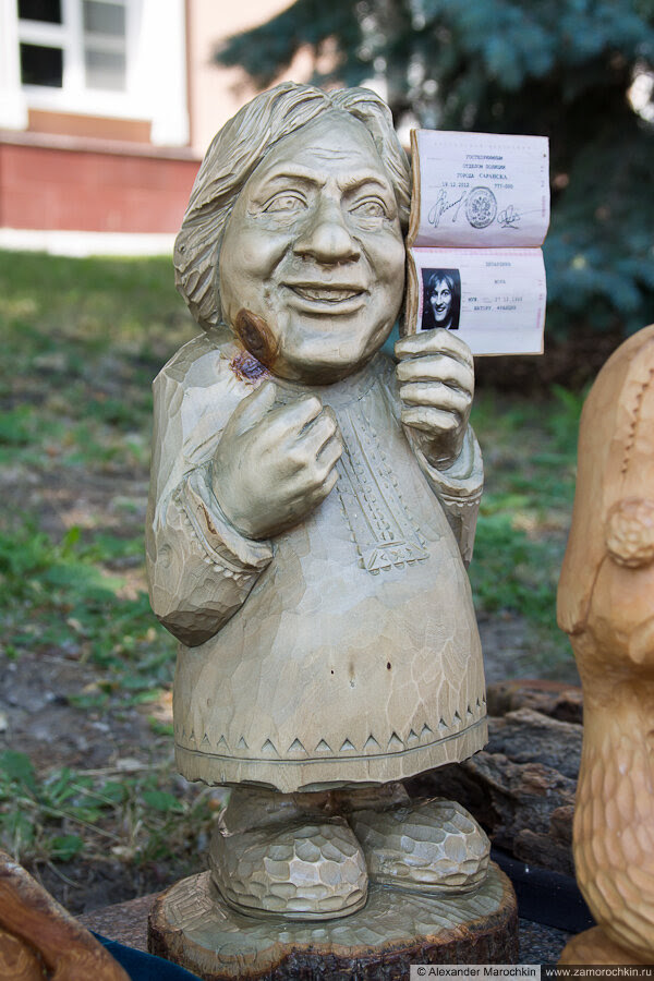 Деревянная фигурка Жерара Депардьё