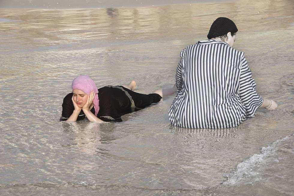 Judias ortodoxas tem praia exclusiva