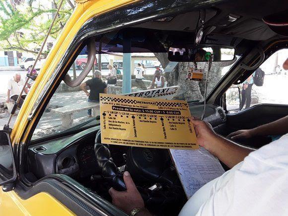 Con 40 microbuses de 10 pasajeros cada uno, el servicio ofrecido por TaxiCuba tiene mayor aceptación en la población que los carros más pequeños.