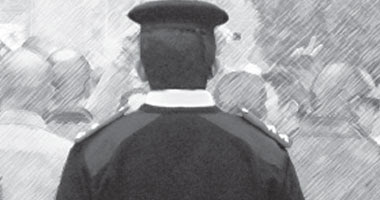 سرقا ضابط شرطا وحاولا قتله