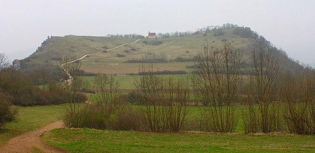 http://upload.wikimedia.org/wikipedia/commons/thumb/d/dd/Walberla_v_Rodenstein.JPG/640px-Walberla_v_Rodenstein.JPG