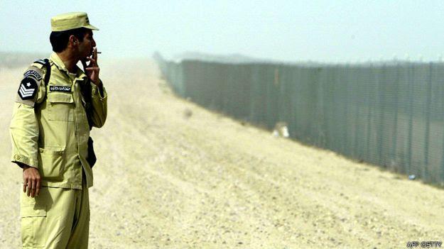 Las barreras entre Kuwait e Irak son una consecuencia directa de la invasión por parte del gobierno de Saddam Hussein.