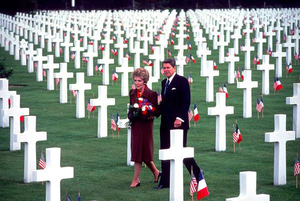 http://digitaljournalist.org/issue0407/images/brack/brack-7-Reagans_at_Normand.jpg
