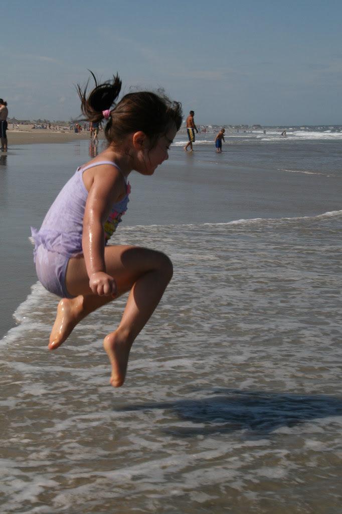 Dova jumps on the beach