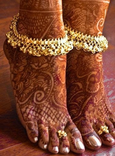 8 Traditional Jewellery Essentials Every Bride Should Wear