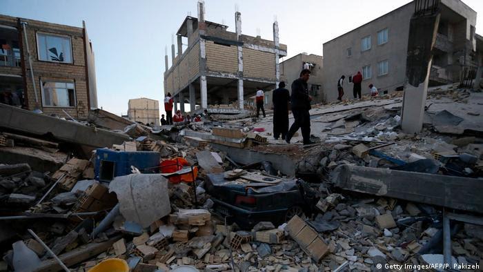 Iran Erdbeben (Getty Images/AFP/P. Pakizeh)