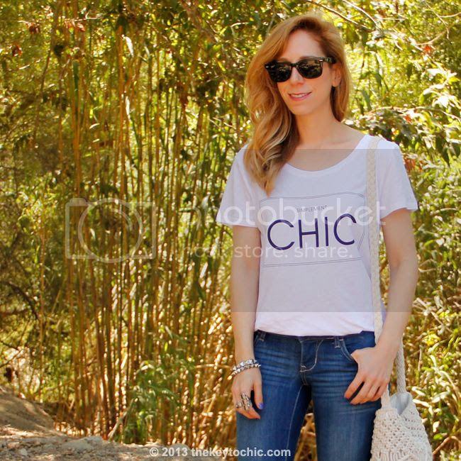 H&M simplement chic T-shirt, Old Navy Rock Star skinny jeans, and Mossimo macrame fringe bag