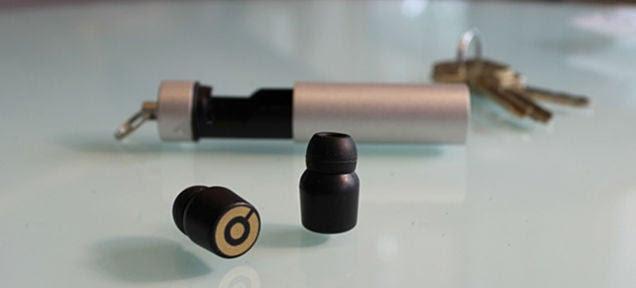 Estos auriculares sin cables se cargan en tu bolsillo