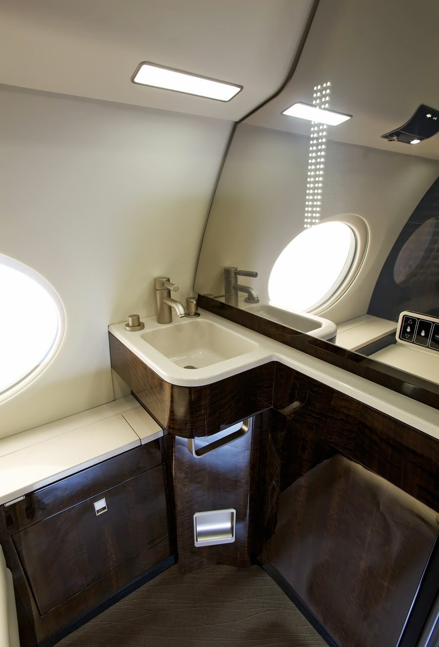 AD-Step-Inside-Rupert-Murdoch's-Luxurious-$84-Million-Private-Jet-09