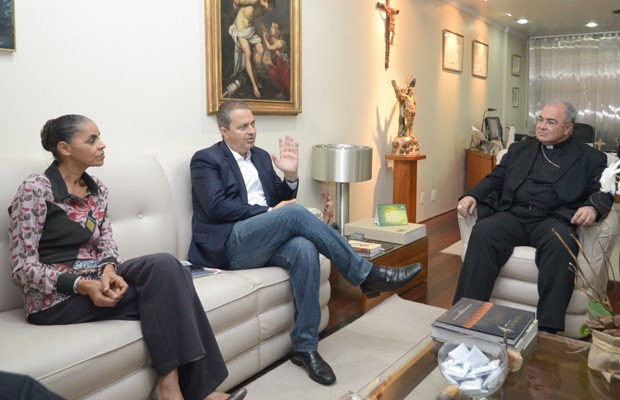 Marina Silva e Eduardo Campos em encontro com o arcebispo Dom Orani Tempesta (Foto: Erbs Jr./Frame/Estadão Conteúdo)