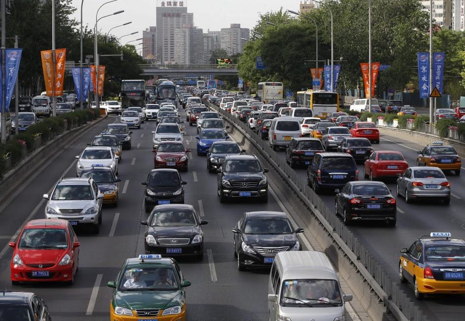 Estudian retirar seis millones de vehículos en Pekín
