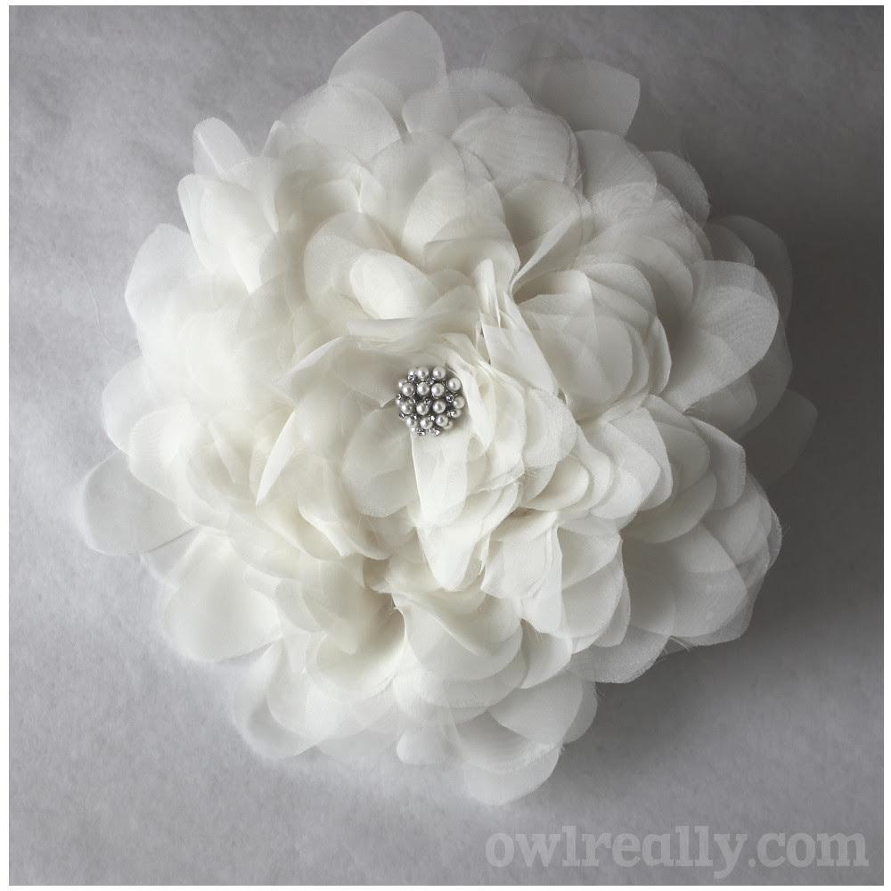 flower, fabric flower, diy, bouquet, bridal bouquet, bridal bouquet alternative, make your own bouquet, make your own wedding bouquet, make your own bridal bouquet, organza, easy, no-sew, no sew