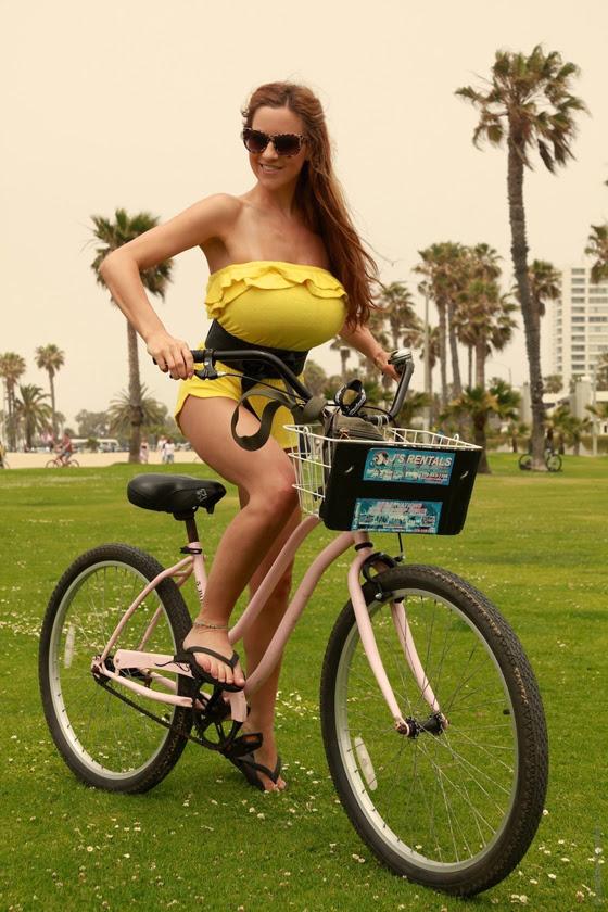 jordan_carver_bikegirls_boobs_big_tits_bicycle_sexy_ride 9.jpg