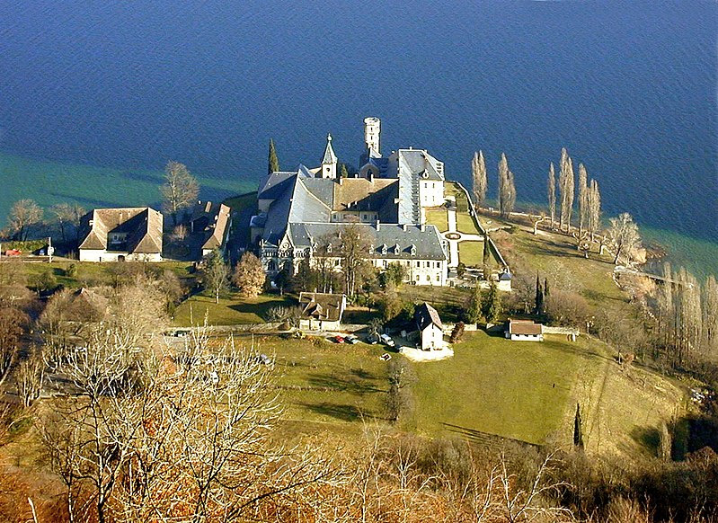 File:Abbaye royale de Hautecombe II - 200501.JPG