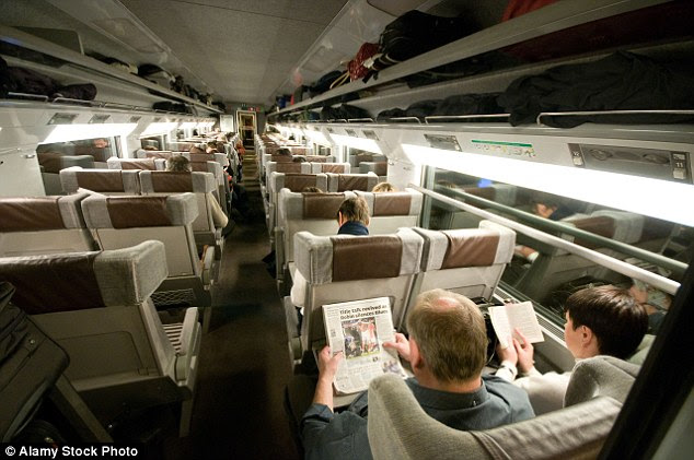 2C4E108D00000578 3233815 Out_with_the_old_The_current_interior_of_a_Eurostar_train a 69_1442241349692