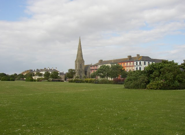 File:Silloth Green - geograph.org.uk - 87864.jpg