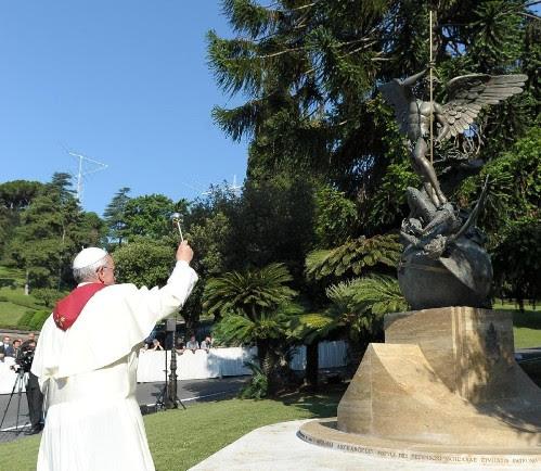 francisco bendice escultura de san miguel