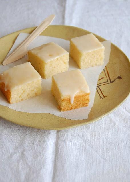 Limoncello sheet cake / Bolo de limoncello