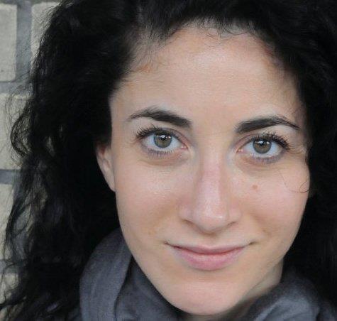 http://www.cbcbooks.org/wp-content/uploads/2014/08/Lauren-Oliver.jpg