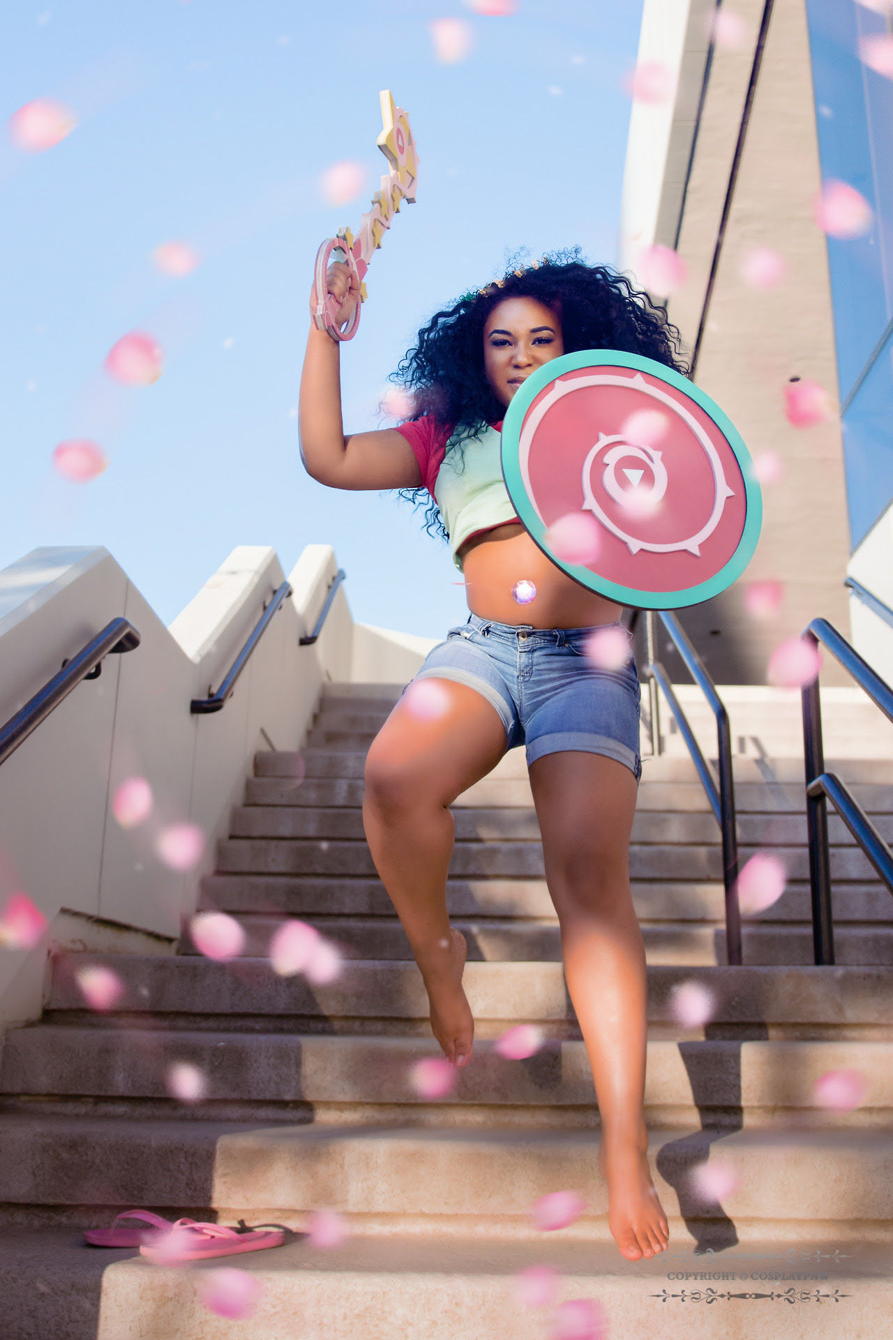 Stevonnie cosplay by @norin0vaaa set from @kuronekocon this year!