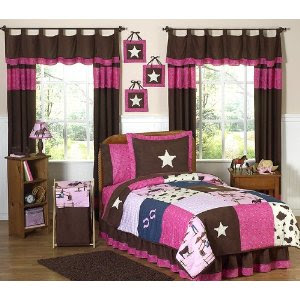 http://www.decoratingideas4kidsrooms.com/images/CowgirlBedg.jpg
