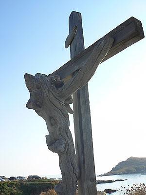 croix en olivier.jpg