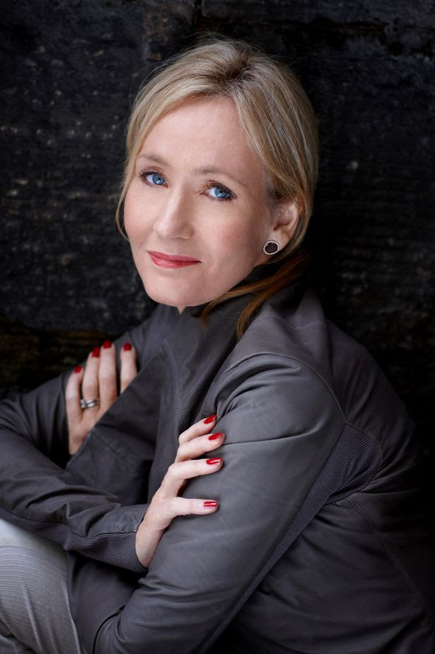http://images2.wikia.nocookie.net/__cb20120927232513/harrypotter/images/1/17/Jo_rowling.jpg
