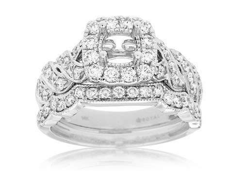 14KT WHITE GOLD DIAMOND ENGAGEMENT RING WITH MATCHING