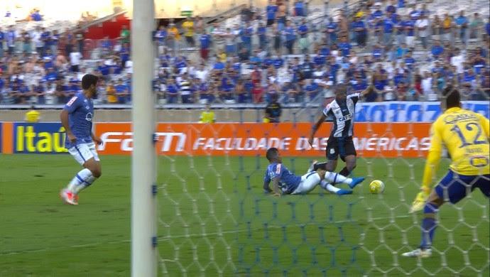 Lucas Romero; Cruzeiro e Santos (Foto: Reprodução/ Premiere)