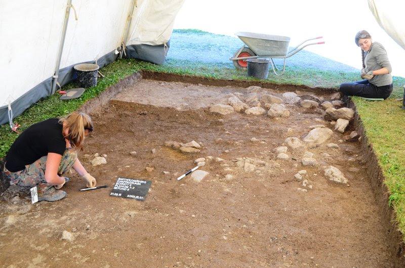 Estudantes de escavação na região de Montafon. Image: Universidade Goethe