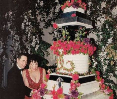 The Most Expensive Wedding Cakes in History   Money Inc