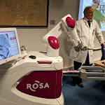 ROSA, le robot qui traite la maladie de Parkinson à la Timone - Made in Marseille