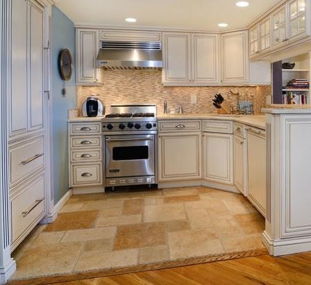 Mobili su misura arredamenti su misura di qualit cucine for Arredamenti interni eleganti
