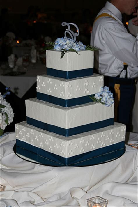 CakeChannel.com   World of Cakes: Four Tier Square Wedding