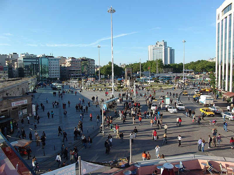 File:TaksimSquareIstanbul.jpg