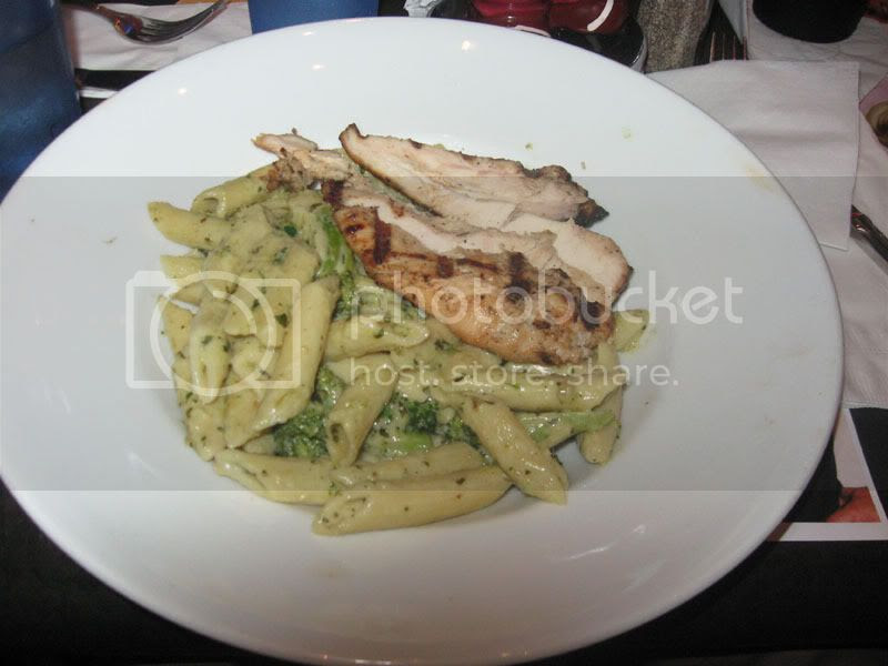 Planet Hollywood Chicken, Penne, & Broccoli